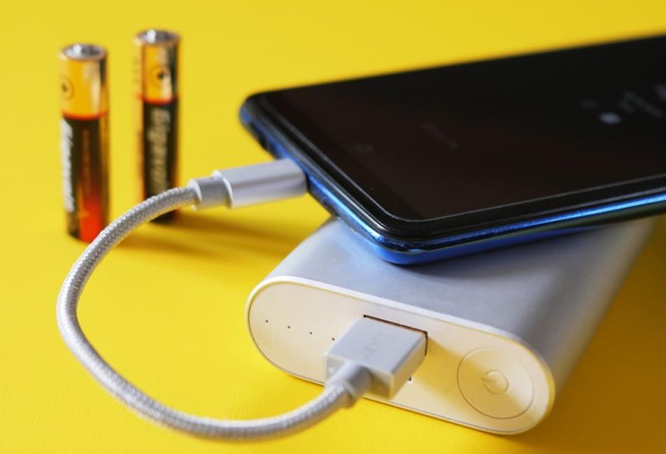 smartphone cepat panas karena baterai rusak